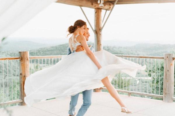 fairy-tale like wedding dance