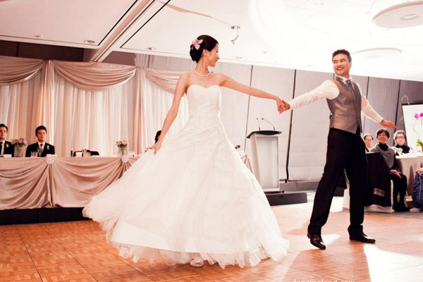 exciting bridal dance